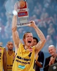 Mister Alba, Henrik Rödl