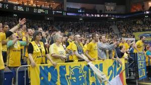 Nicht mit jeder Entscheidung der Unparteiischen waren die Alba-Fans einverstanden
