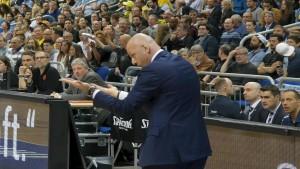 auch großer Einsatz am Rande der Bande (und darüber hinaus) von Sasa Obradovic konnte die Niederlage nicht verhindern
