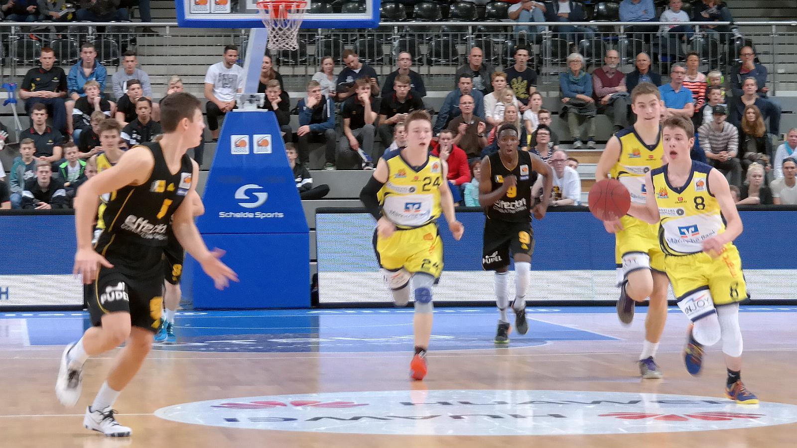 Mit speed zum Korb: Jasper Günther (Phoenix Hagen Juniors)
