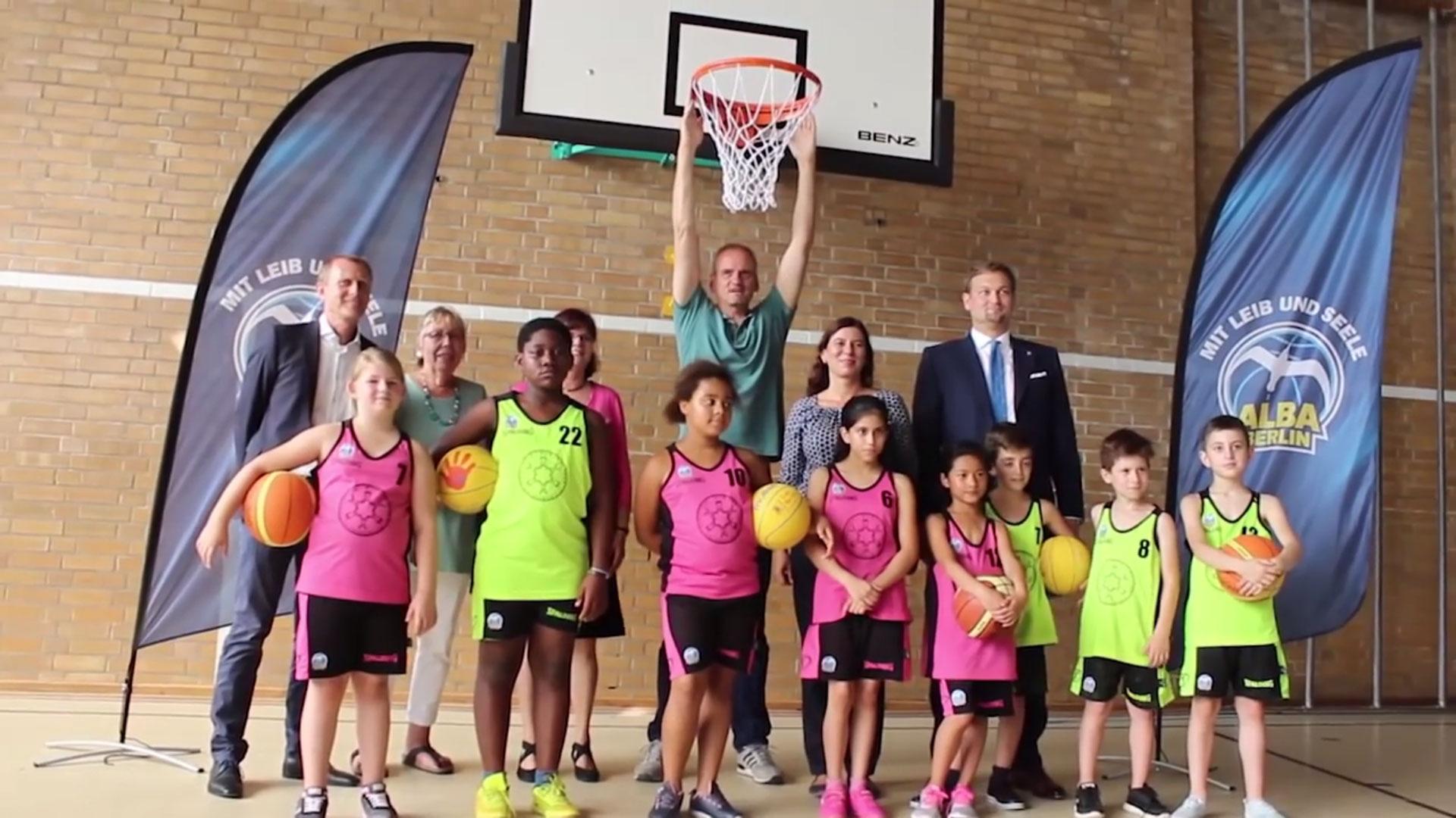 Senat, Bezirke, Schulen, Vereine und Alba Berlin - gemeinsam für Sport in Berlin; Bild (c): Alba Berlin