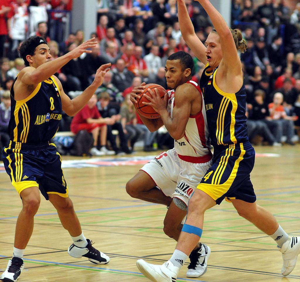Joshiko Saibou mit Alba-II in der ProB im Einsatz, Saison 2010-11 Foto (c): Dorstener Kreiszeitung