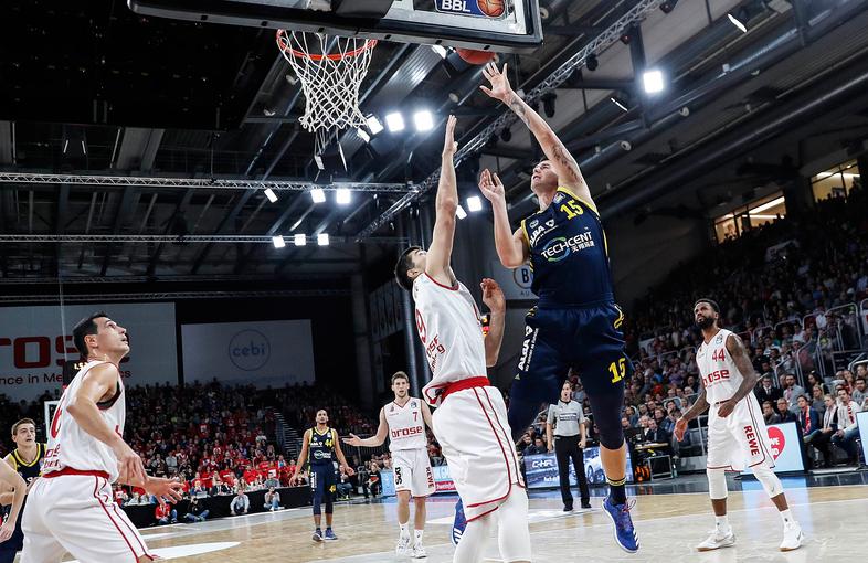 lang ersehnt, lang drauf gewartet: Alba Berlin gewinnt seit 2009 mal wieder ein Spiel der Basketball-Bundesliga in Bamberg Foto: (c) albaberlin.de