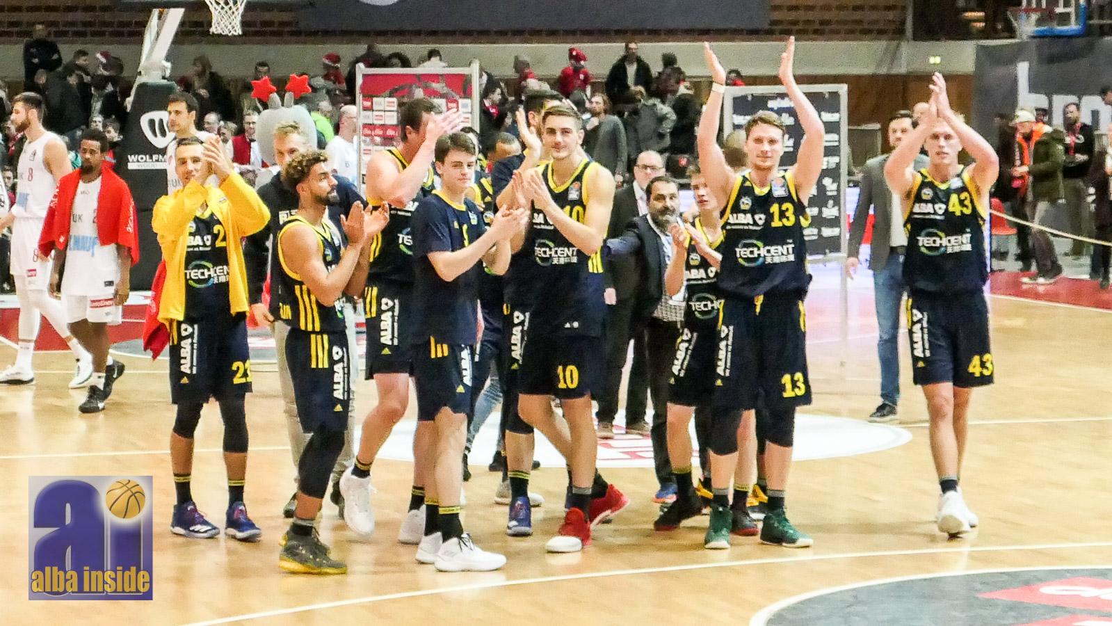 Grund zur Freude nach dem Hinspiel: Tim Schneider, Marius Grigonis, Joshiko Saibou, Jonas Mattisseck und Co
